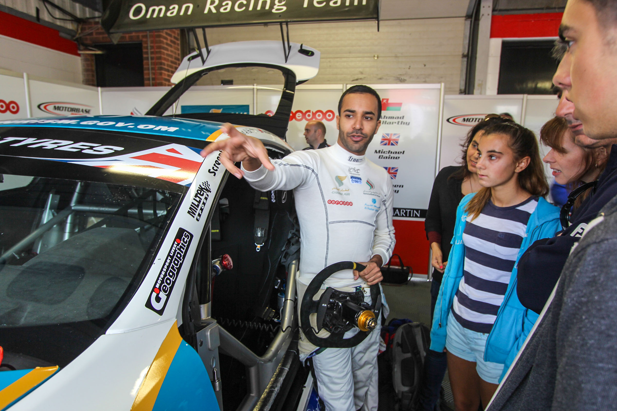 Ahmed Al Harthy Pit Stop Photos